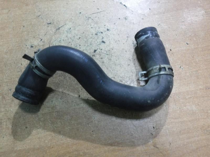 Патрубок радиатора
