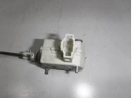 Активатор лючка бензобака для Volkswagen Golf 6 2009 -2013. Артикул 386282.
