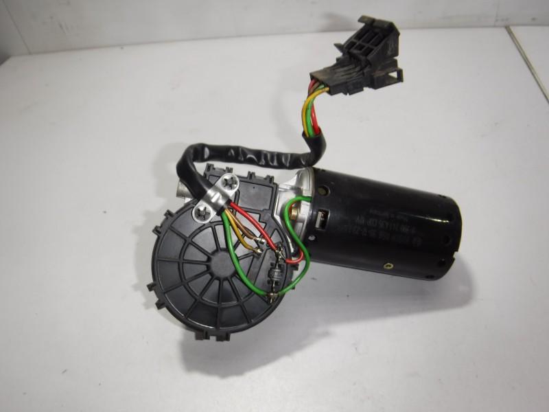 Моторчик стеклоочистителя передний
