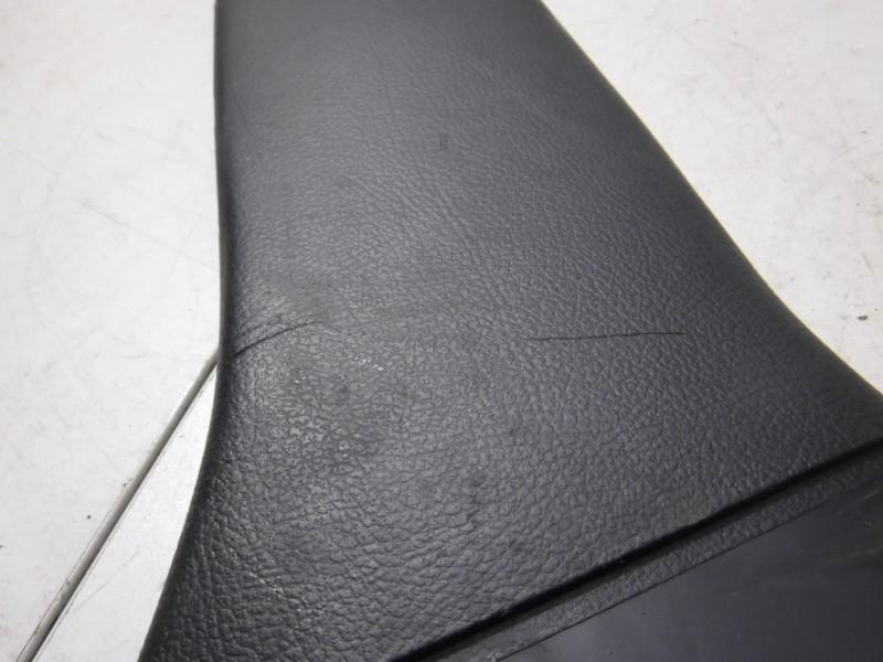 Обшивка стойки средней правой