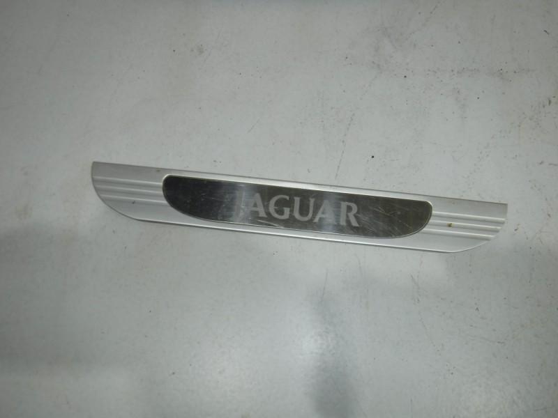 Накладка декоративная для Jaguar S-type 1999 -2008. Артикул 699329.