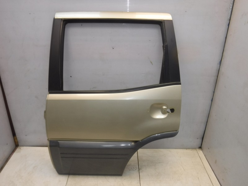 Дверь задняя левая для Nissan Terrano 2 (R20) 1993 -2006. Артикул 705002.