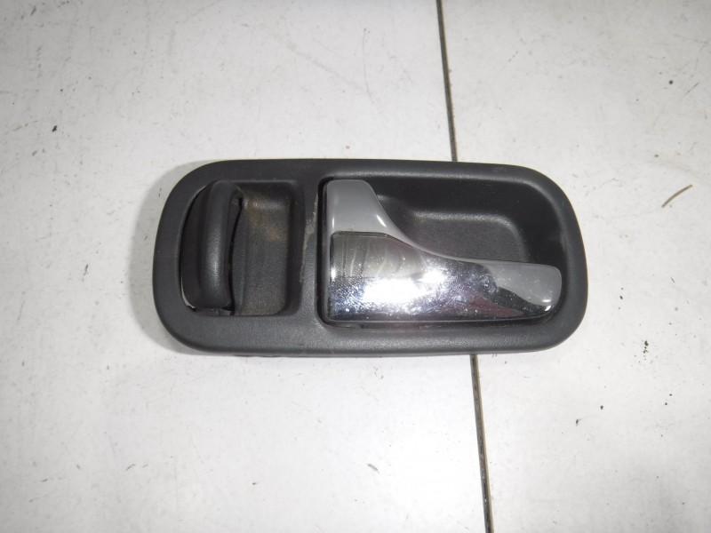 Ручка двери задней внутренняя левая для Nissan Terrano 2 (R20) 1993 -2006. Артикул 705012.