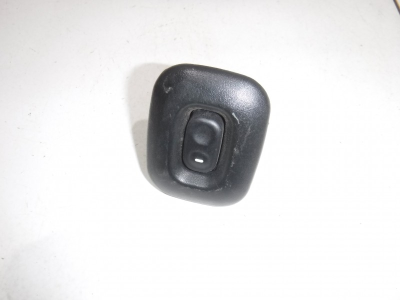 Кнопка стеклоподъемника для Nissan Terrano 2 (R20) 1993 -2006. Артикул 705085.