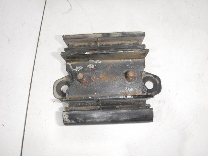 Опора двигателя задняя для Nissan Terrano 2 (R20) 1993 -2006. Артикул 705159.