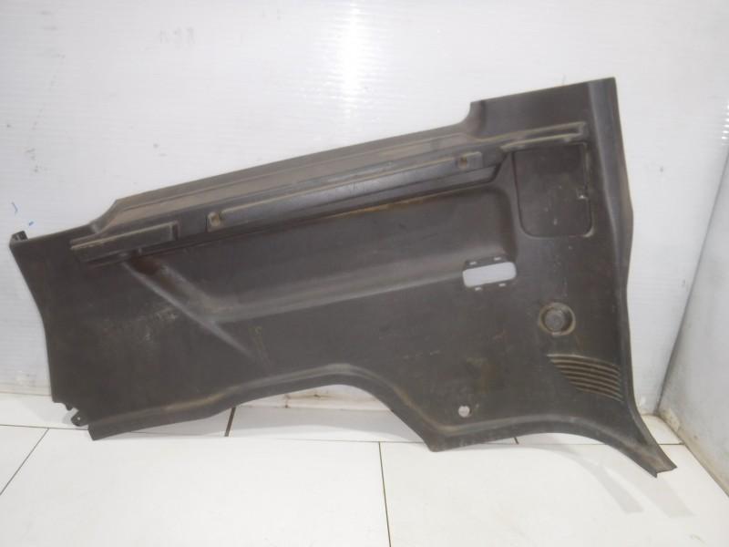 Обшивка багажника правая нижняя для Nissan Terrano 2 (R20) 1993 -2006. Артикул 705166.