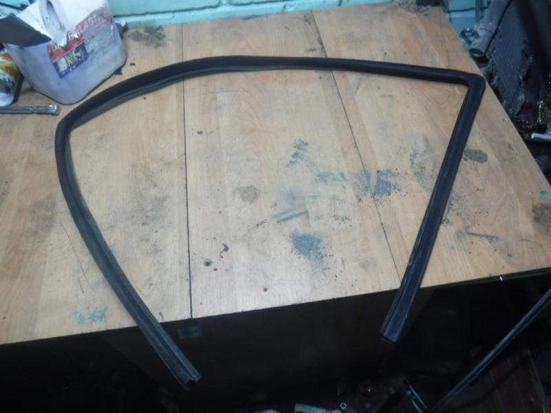 Уплотнитель стекла (внутри)